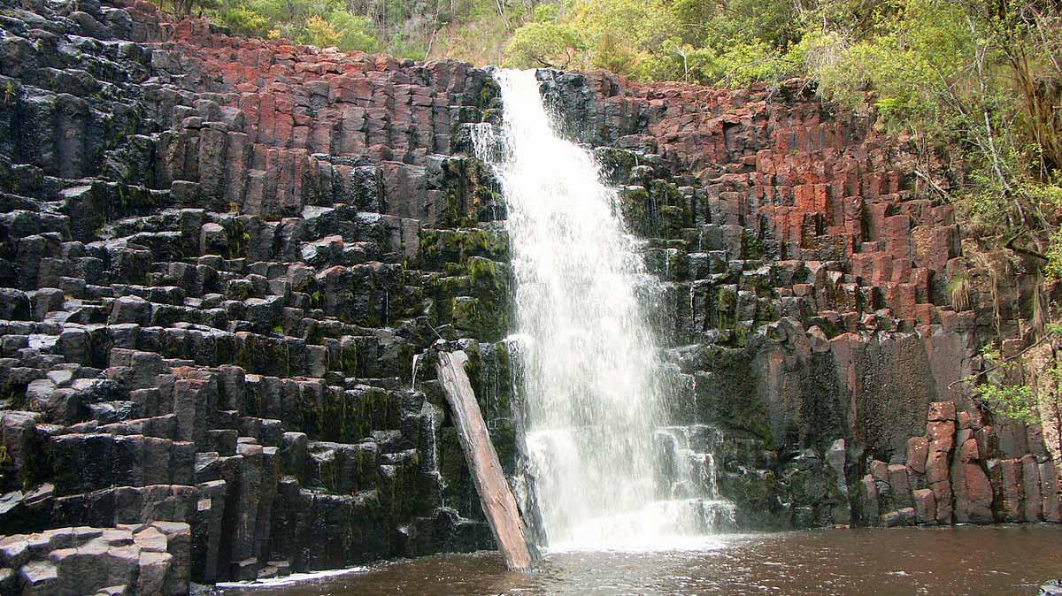 Dip Falls